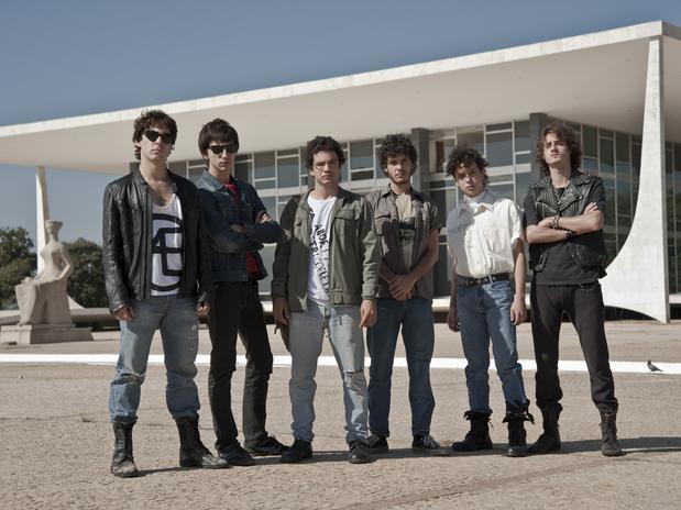 Somos Tão Jovens - Cena